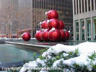 Giant Christmas Balls on the fountain on 6th Avenue.