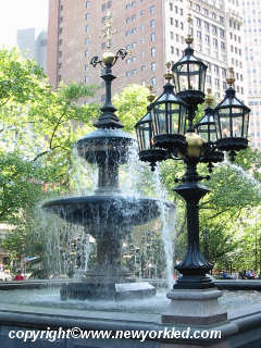 Photo of the Fountain at City Hall Park.
