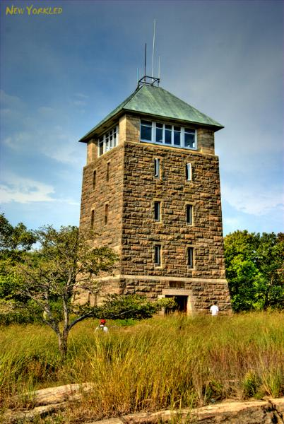 Photo feature of the outlook tower atop the Bear Mountain Peak.